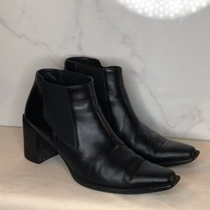 Chelsea black leather ankle boots  us 8